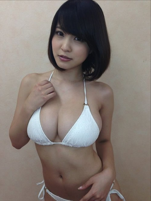 35 photos of Japanese idols featured big boobs